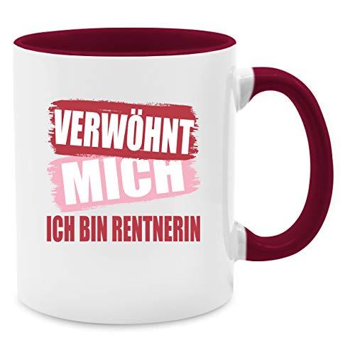 Tasse Berufe - Verwöhnt mich ich bin Rentnerin - Unisize - Bordeauxrot - Q9061 - Kaffee-Tasse inkl. Geschenk-Verpackung (Spaß-tassen Für Frauen)