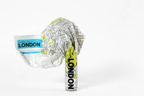 London Crumpled City Map (Crumpled City Maps) por Designed by Emmanuele Pizzolorusso
