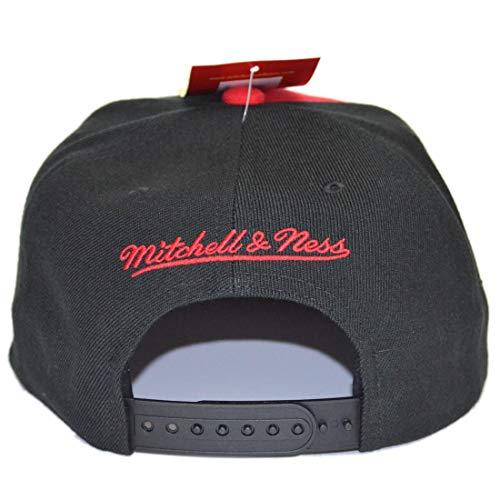 Imagen de  chicago bulls short split black/red snapback  mitchell & ness alternativa