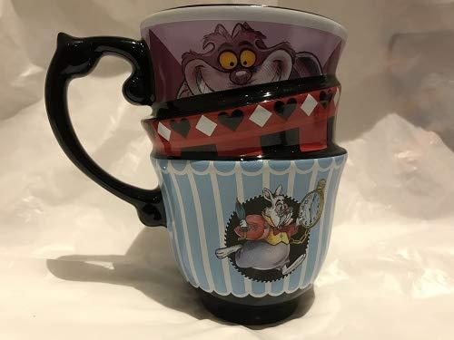 Alice nel paese delle meraviglie ha impilato la tazza per disney