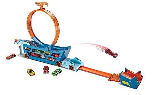 Mattel Hot Wheels DWN56 - Stunt N Go Transporter und (Go Go Girl Kostüme)