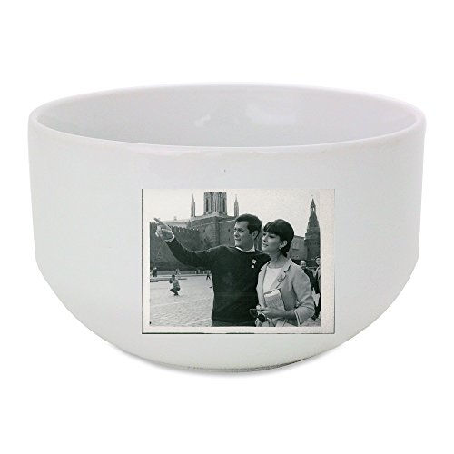ceramic-bowl-with-tony-curtis-with-a-lady-and-pointing