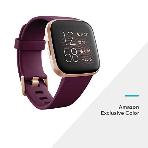 Fitbit Versa 2 - Smartwatch per benessere e forma fisica con controllo vocale, punteggio del sonno e musica, Bordò