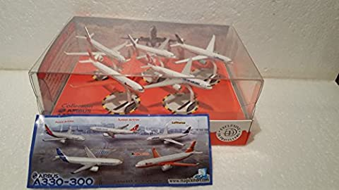 Kinder Überraschung : Airbus A330 - 300 von 2013 ( nur im Duty Free Shop )