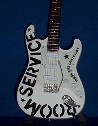 Mini Guitar BRYAN ADAMS White Model Display