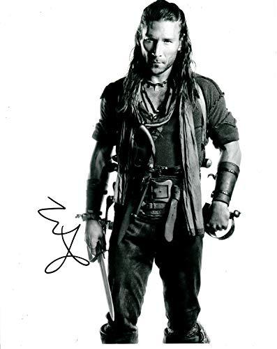 Signing Dreams Autographs Autogramme von Zach McGowan, signiert, 25,4 x 20,3 cm, Schwarzes Segel, Dracula Unted, 100% Personenhändler - UACC Registered #242