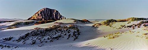Panoramic Images - View of Sand Dunes and The Morro Rock Morro Bay San Luis Obispo County California USA Kunstdruck (30,48 x 91,44 cm) -