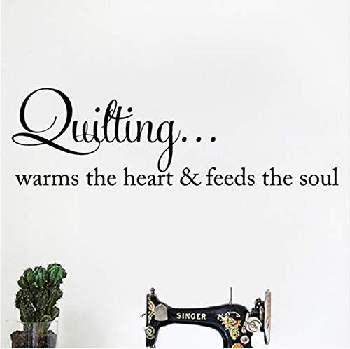 Quilten wärmt das Herz Zitat Wandkunst Aufkleber Nähen Quilten Schriftzug Worte Vinyl Aufkleber Kunsthandwerk Raum Wand Kunst Dekor 56x18 cm -