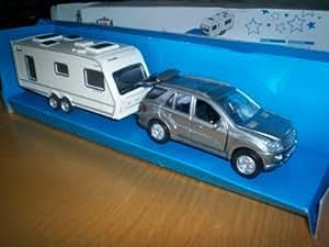 wilko 1 43 scale diecast road tripper set mercedes. Black Bedroom Furniture Sets. Home Design Ideas