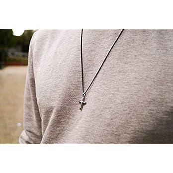 Made by Nami Herren Halskette mit Anhänger – 60 cm Herren Gun-Metal Kette Edel-Stahl – Coole Kreuz-Kette – Handmade Glieder-Kette – Männer-Kette – Geschenk Geburtstag für Ihn (Schwarz Kreuz Silber)