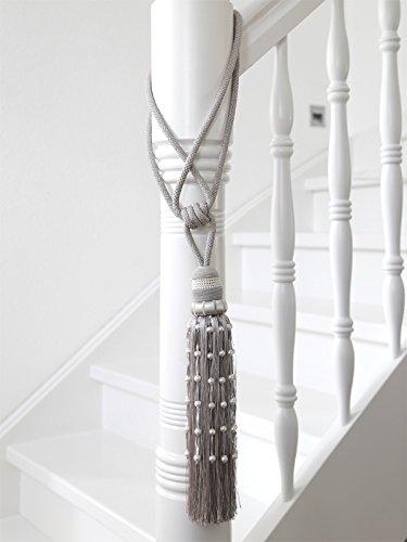 pompon-perlina-gris-clair-gris-creme-posament-embrasse-en-perles-pour-rideaux