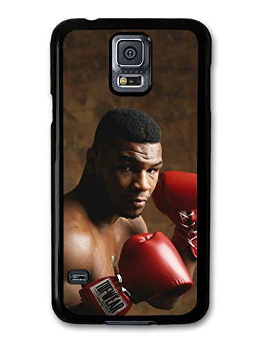 mike-tyson-heavyweight-champion-boxer-posing-with-gloves-hulle-fur-samsung-galaxy-s5