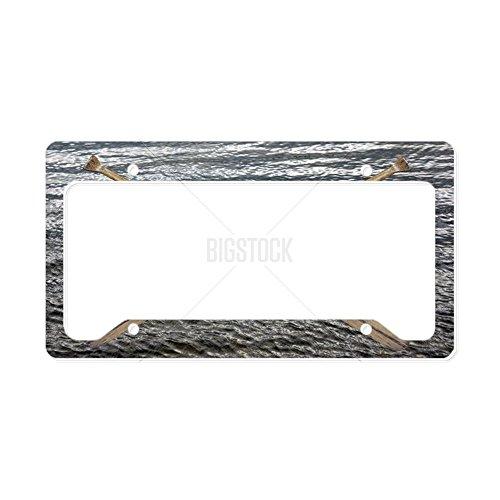 CafePress-Holz Kanu Paddel gekreuzt-- aluminium Nummernschild Rahmen, Lizenz Tag Halter -