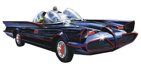 Batman the Batmobile 1:25 scale plastic model kit