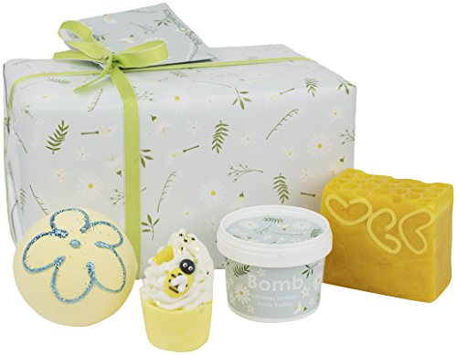Bomb Cosmetics Handmade Gift Pack, Mellow Meadows