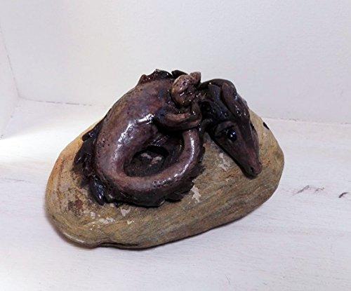 dragon-modelado-sobre-piedra