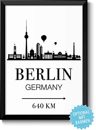 Berlin Skyline mit individueller Entfernungsangabe personalisiertes Bild optional mit Holz-Rahmen Geschenk Geschenkidee -