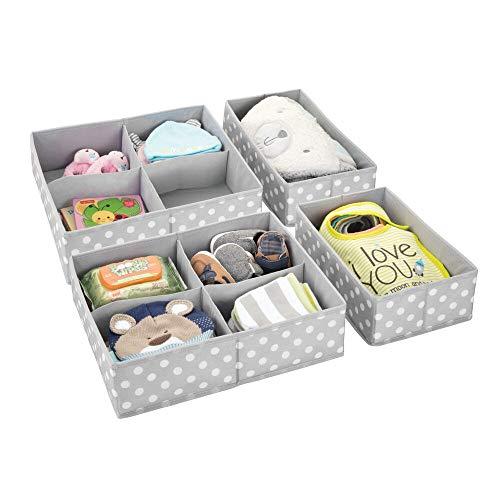 mDesign 4er-Set Aufbewahrungsboxen für das Kinderzimmer, Bad usw. – Kinderzimmer Aufbewahrungsbox mit vier Fächern plus einem Fach – Kinderschrank Organizer aus Kunstfaser – hellgrau/weiß