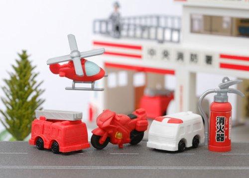 IWAKO Gommes - Camion de pompiers et ambulanciers - RANDOM - TY - ALEATOIRE - 1 PAR COMMANDE