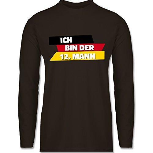 Mann Deutschland - Herren Langarmshirt Braun. Shirtracer Fußball-WM 2018 -  Russland - Ich Bin der 12. Mann Deutschland -