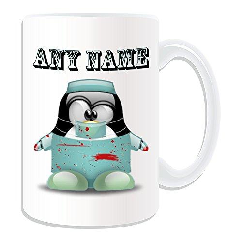 Personalisiertes Geschenk, großer Chirurg Tasse (Pinguin in Kostüm Design Thema, weiß)-alle Nachricht/Name auf Ihre einzigartige-Doctor Bloody Scrubs Uniform