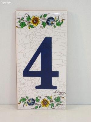 Nummer 4 - Hausnummer bemalt auf Einer Keramik, rechteckig, Weiß mit floralem Band, Motiv Moskitos, 1 Stück -