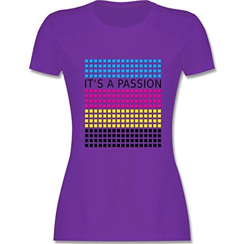 Nerds & Geeks - It's a passion - CMYK - tailliertes Premium T-Shirt mit Rundhalsausschnitt für Damen Lila
