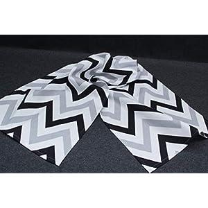Tischläufer 140 x 40 cm, schwarz/grau/weiß mit Zickzack Muster