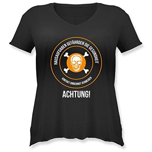 Shirtracer Statement Shirts - Hausaufgaben gefährden Die Gesundheit - Weit Geschnittenes Damen Shirt in Großen Größen mit V-Ausschnitt Schwarz