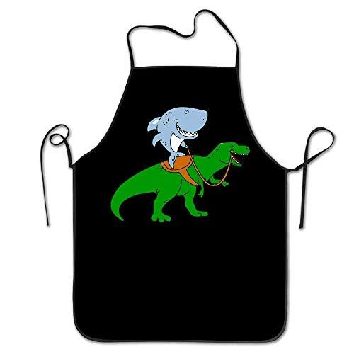 lbare Latzschürze mit Tasche, Great White Shark Riding A T Rex Unisex Kitchen Bib Schürze Supermarket Overalls Coffee Shop with Adjustable Neck Chef's Schürze 28.3