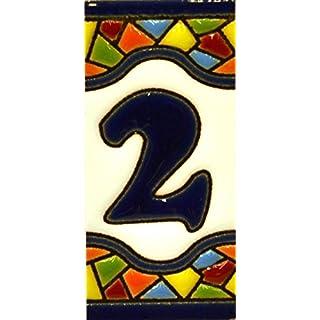 Schilder mit Zahlen und Nummern auf vielfarbiger Keramikkachel. Handgemalte Kordeltechnik fuer Schilder mit Namen, Adressen und Wegweisern. Persoenlich gestaltbarer Text. Design MOSAICO MINI 7,3 cm x 3,5 cm (Nummer ZWEI