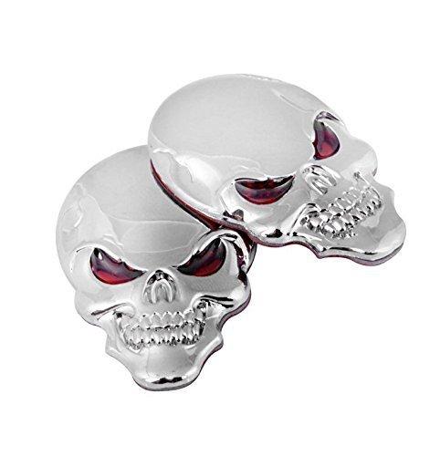 Preisvergleich Produktbild UChic 2 STÜCKE 5,5 CM / 2,2 zoll 3D Chrome Knochen Rote Augen Metall Schädel Emblem Aufkleber Aufkleber Logo Fender Hood Auto motorrad