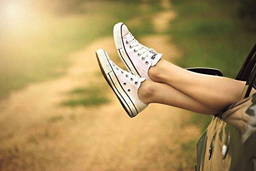 41kiLfDzQ4L - Shoe Rescue Polvos para pies y calzado Elimina el olor de pies 100% natural Contiene aceites esenciales Árbol de Té Eucalipto y Menta 100g