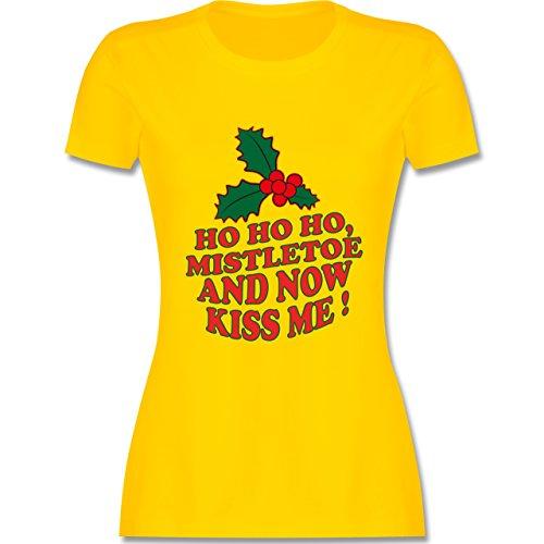 Weihnachten & Silvester - Ho Ho Ho, Mistletoe and now kiss me - Ho Ho Ho, Mistelzweig - küss mich endlich - tailliertes Premium T-Shirt mit Rundhalsausschnitt für Damen Gelb