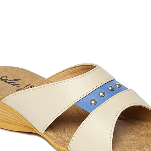 11e4278acf53f 20% OFF on PARAGON SOLEA Plus Women s Beige Flip-Flops on Amazon ...