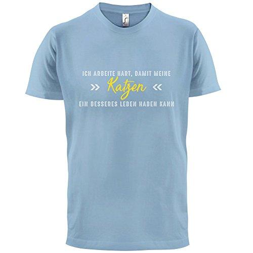 Ich arbeite hart, damit meine Katzen ein besseres Leben haben kann - Herren T-Shirt - 12 Farben Himmelblau