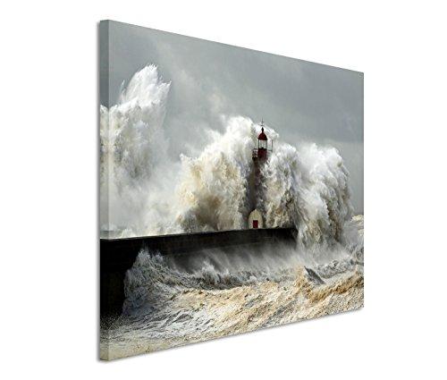 Modernes Bild 120x80cm Landschaftsfotografie - Leuchtturm im schweren Sturm. Wellen mit Schaumkrone. - Moderne Leuchtturm