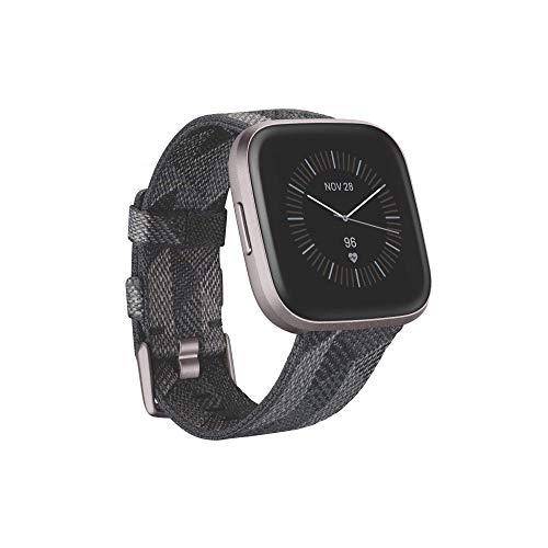 Fitbit Versa 2, Special Edition, Gesundheits- & Fitness-Smartwatch mit Sprachsteuerung, Schlafindex & Musikfunktion, SE Gewebe in Rauchgrau