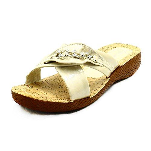 Sandali con zeppa con catena diamante Ladies brevetto Low Beige
