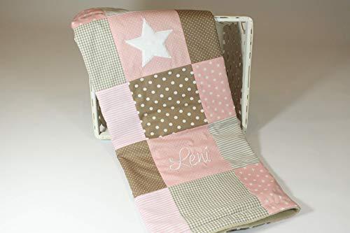 Patchworkdecke Decke mit Namen personalisiert Patchwork Baby Babydecke Mädchen Junge rosa grau beige Stern Applikation