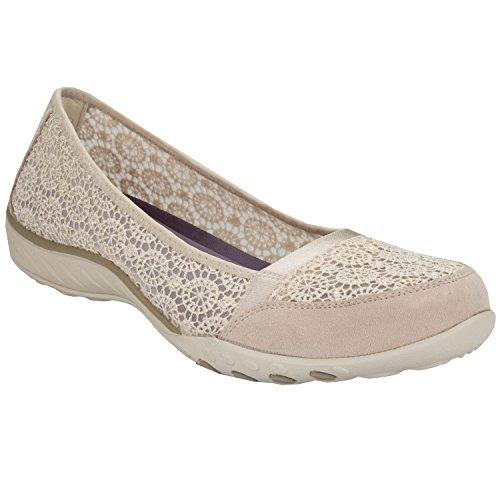 chaussures-skechers-breathe-easy-pretty-factor-pour-femme-en-couleur-chair