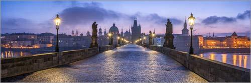 Posterlounge Acrylglasbild 150 x 50 cm: Panorama der Karlsbrücke in Prag, Tschechische Republik von Jan Christopher Becke - Wandbild, Acryl Glasbild, Druck auf Acryl Glas Bild