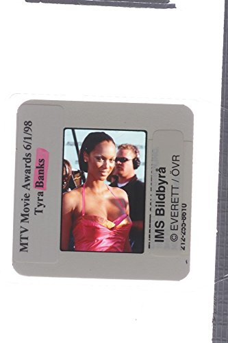 slides-photo-of-tyra-banks-during-the-1998-mtv-movie-awards