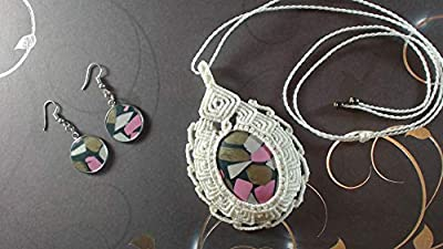 Parure collier avec pendentif en macramé et paire de boucles d'oreille