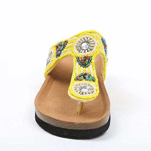 Ideal Shoes–nu-pieds con tracolla Incrustes di perle arabesco maellys Giallo