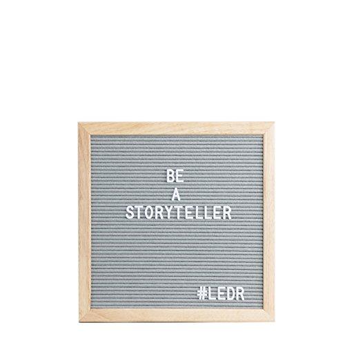 LEDR - Letter Board aus Holz und Filz - Grau/Natur | Buchstaben Tafel Buchstabenbrett Rillentafel Stecktafel mit 354 Weißen Buchstaben & Zahlen und einstellbar Ständer - 30 x 30 cm - Retro Design
