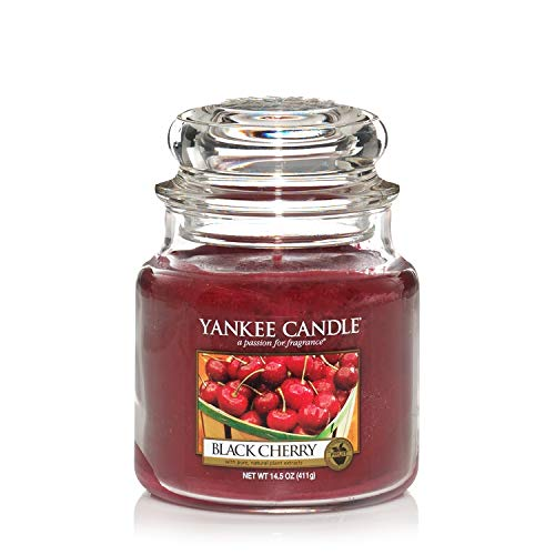 Yankee Candle mittelgroße Duftkerze im Glas, Black Cherry, Brenndauer bis zu 90 Stunden