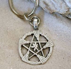 entagram Pagan Wiccan Pentacle Halloween Keychain Key Tag by Trilogy Jewelry ()