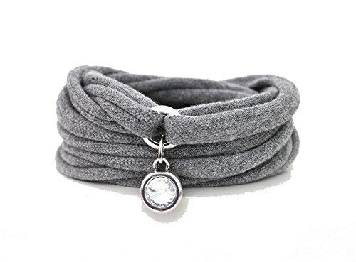 Armband Wickelarmband aus Stoff weich hellgrau oder in Wunschfarbe mit Charm / Anhänger Strass-Stein silber individuelle Geschenke Weihnachten