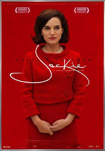 Close Up Jackie Poster Filmplakat (101x71 cm) gerahmt in: Rahmen Silber - Lady Movie Poster